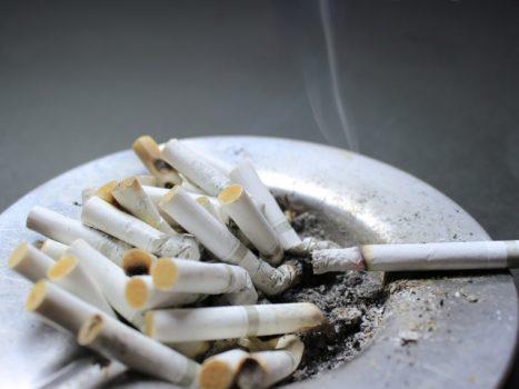換気扇とタバコによるトラブル事例!お掃除法も紹介
